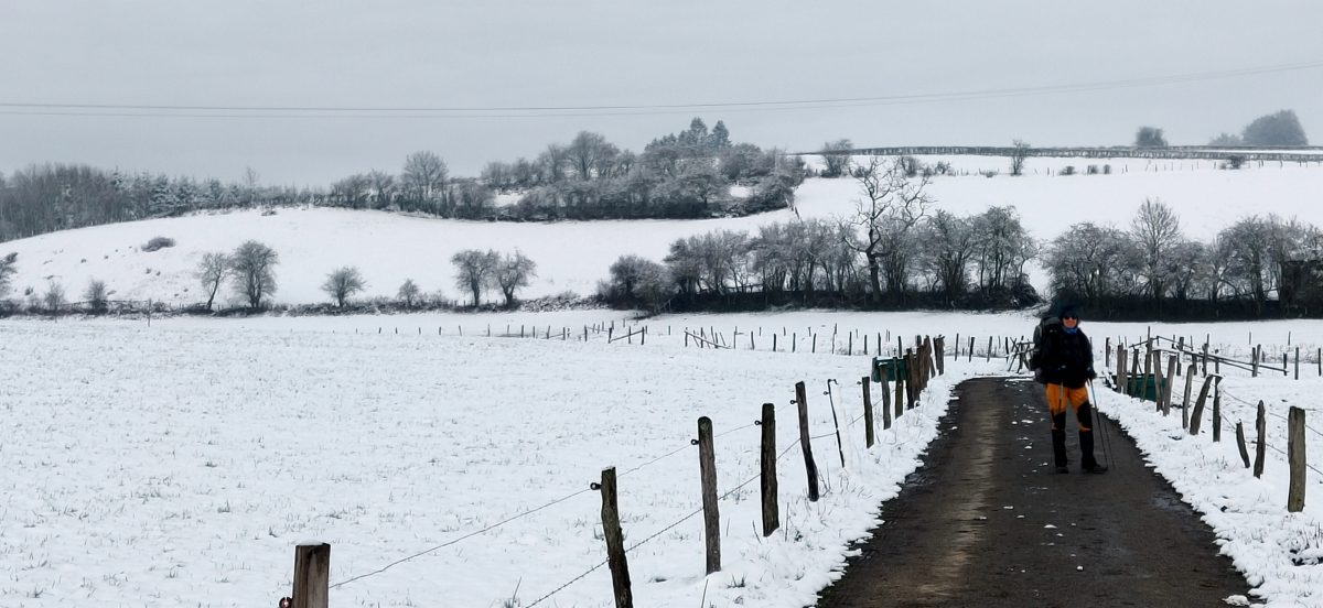 akkers onder de sneeuw